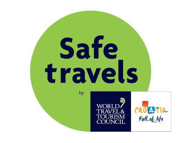 Smart Hostel dobio je Safe Stay in Croatia certifikat Ministarstva turizma i sporta, i Safe Travels certifikat Svjetskog vijeća za putovanja i turizam (WTTC) zbog implementacije svih protokola za siguran i bezbrižan odmor.